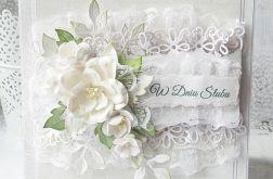 Ślubna kartka z koronkami