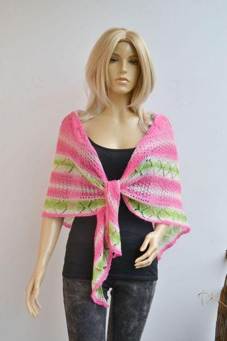 Ażurowa chusta w różu i zieleni - wełniana chusta na drutach
