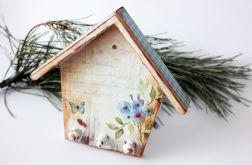 Drewniany domek na klucze