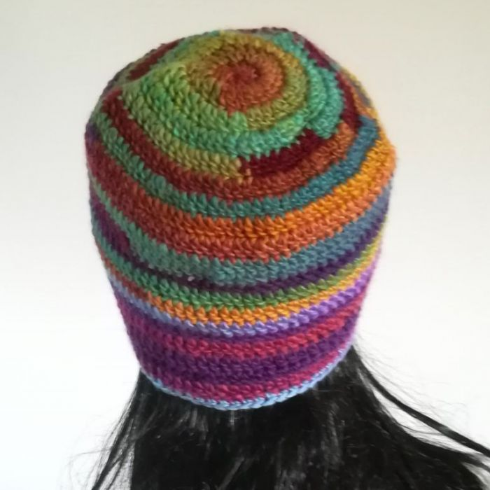 Czapka zimowa tęcza - kolorowa zima w czapce