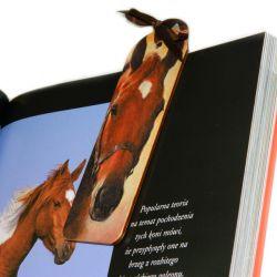 Zakładka z konikiem, Koń kasztanek