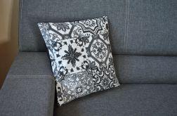 Poszewka dekoracyjna - czarno-białe mozaiki