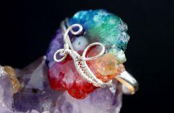 Srebrny pierścionek z kwarcem tęczowym