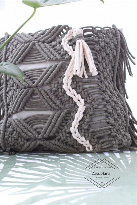 Poszewka na poduszkę OLIVE z chwostem makrama