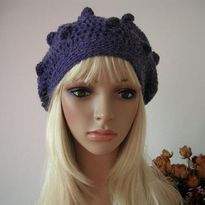 Fioletowy beret z bąbelkami