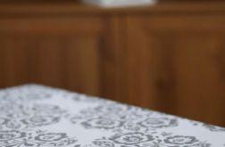 Obrus biały motyw kurpiowski