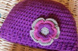 Wrzosowa czapka z kwiatem