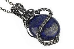 Srebrny wisiorek z kamieniem lapis lazuli