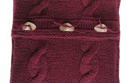 Poszewka robiona na drutach - bordowa