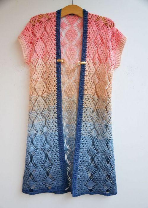 Szydełkowa kamizelka w pastelowych kolorach - kolorowa