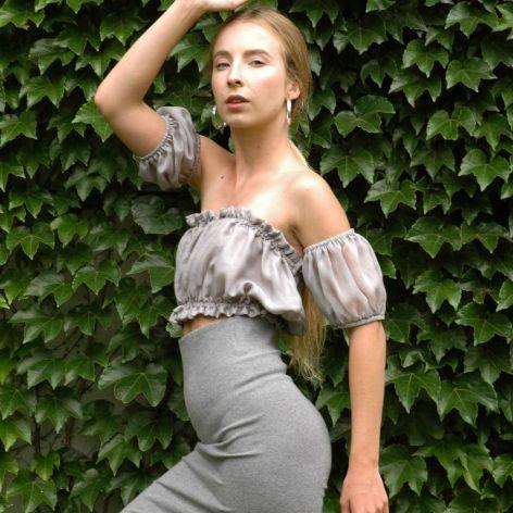 szaro-srebrna bluzeczka z narękawkami