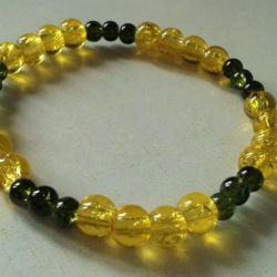 Bransoletka z koralików Crackle zółto-zielona