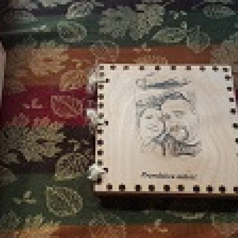 piekna drewniana ksiązka