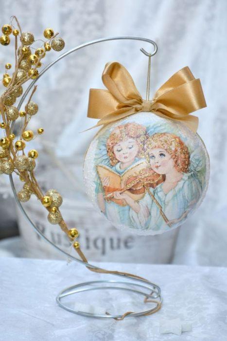Bombka ze zdjęciem - złota z aniołkami - motyw aniołków z tyłu bombki