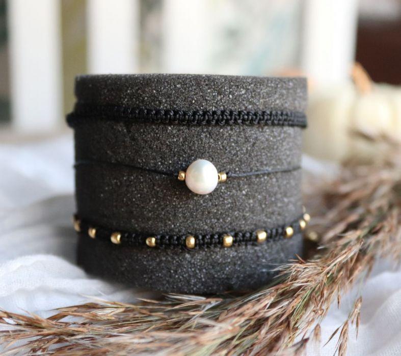 Komplet bransoletek czarnych relva - czarne bransoletki ze żłotymi kuleczkami