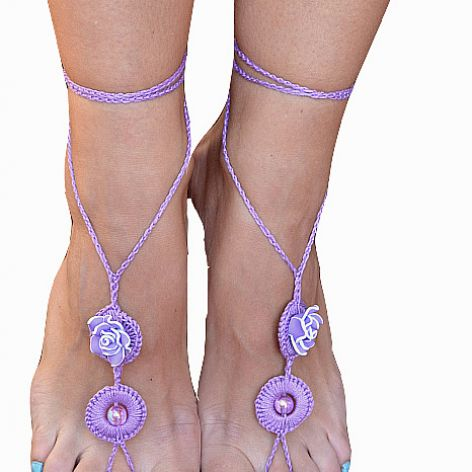 Ozdoba na stopy - fioletowe sandałki ;o)