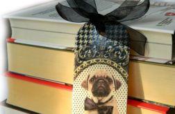 Zakładka drewniana - Pies w muszce