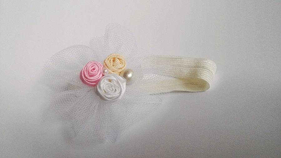 Tiulowa opaska z perełkami biała różowa