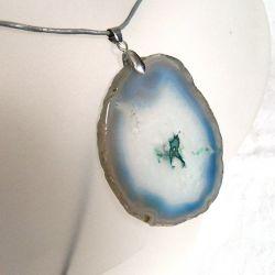 Błękitnoszary agat z kryształem, wisior