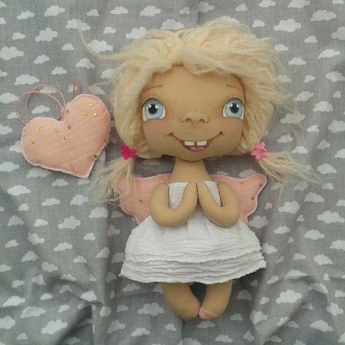 ANIOŁEK lalka - dekoracja tekstylna, OOAK/35 - mam serdusiową podusię