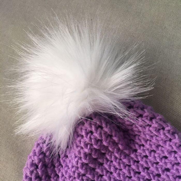 Fioletowa czapka z  białym pomponem cudo