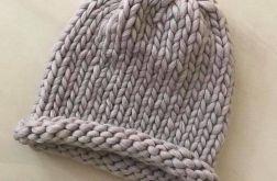czapka beżowa