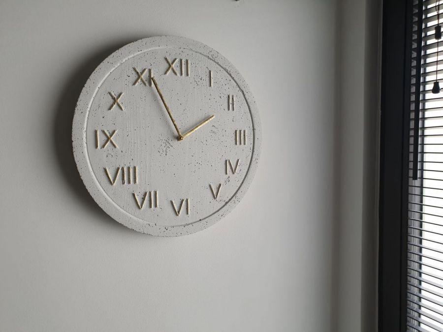 Zegar Ścienny Betonowy Roman Biały Złoty - Zegar Roman Metallic Biały Złoty #2