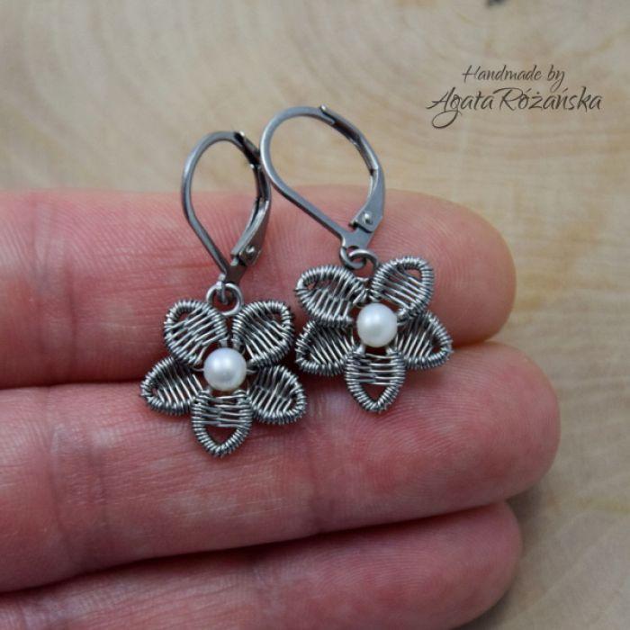 KWIATY kolczyki kwiatki, perły, wire wrapping - Najnowsze trendy