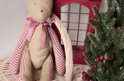 Miś świąteczny beżowy z czerwoną kratką