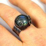 Regulowany pierścionek z labradorytem miedź - Labradoryt, Miedziany pierścionek z labradorytem, ręcznie wykonany, prezent dla niej prezent dla mamy, prezent urodzinowy biżuteria autorska