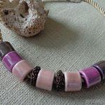 Naszyjnik z ceramiki - róż i fiolet - Naszyjnik