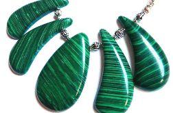 Malachit zielony, niezwykła kolia
