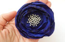 Broszka materiałowa kwiat 036