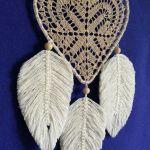 Łapacz snów- serce z makramowymi piórkami - handmade łapacz snów