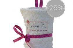 SALE 25% biały ręcznik do przedszkola kropki