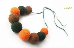 Korale z filcu zielono pomarańczowo brązowe