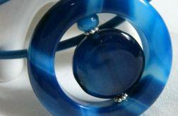 Wisiorek z niebieskimi agatami, efektowny