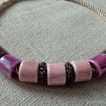 Naszyjnik z ceramiki - róż i fiolet - Naszyjnik z ceramiki
