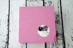 pudełko duże różowe kropki