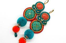 Orientalne kolczyki sutasz z pomponami