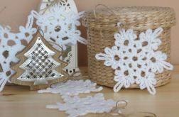 Świąteczne śnieżynki szydełkowe gwiazdki