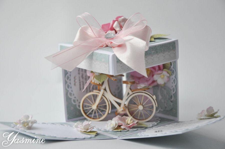 Exploding box z rowerem