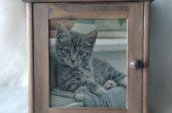 szafka na klucze z kotkiem