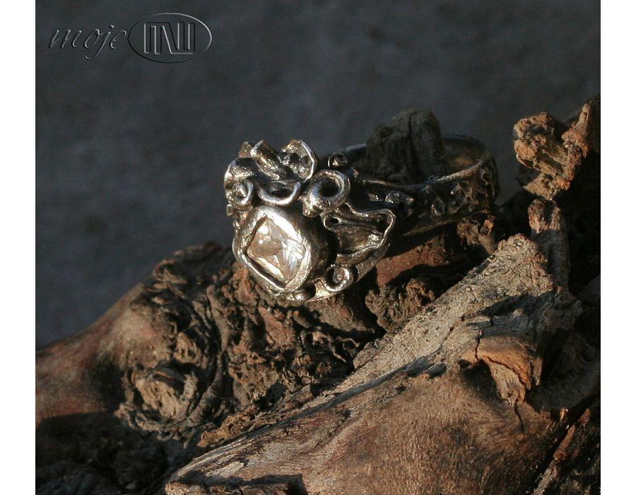 Strojny - zdobny pierścionek