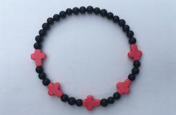 Czarna bransoletka onyks różowe krzyże howlit