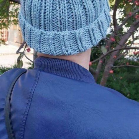 neonówka-czapka