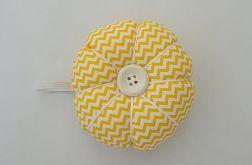 Poduszka na igły igielnik żółty zygzak