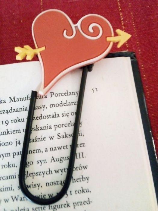 Zakładka do książki - duży spinacz z sercem