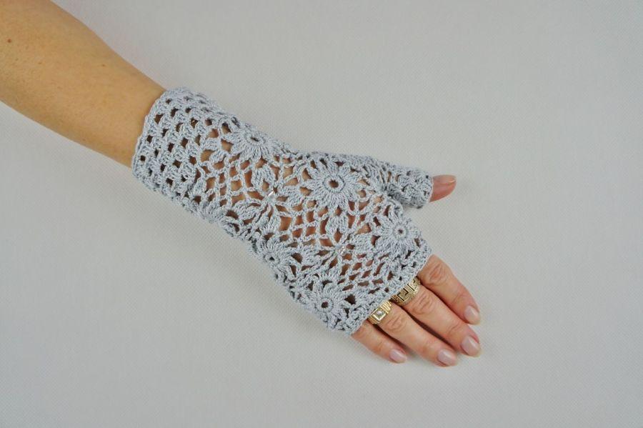 Mitenki  szydełkowe popielate - Modne rękawiczki