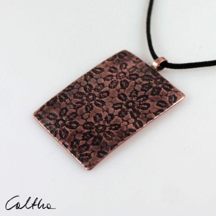 Kwiatuszki - miedziany wisior 210529-03